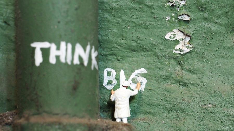 Denken macht den Unterschied: GROSS oder klein? Bild-von-S.-Hermann-F.-Richter-auf-Pixabay