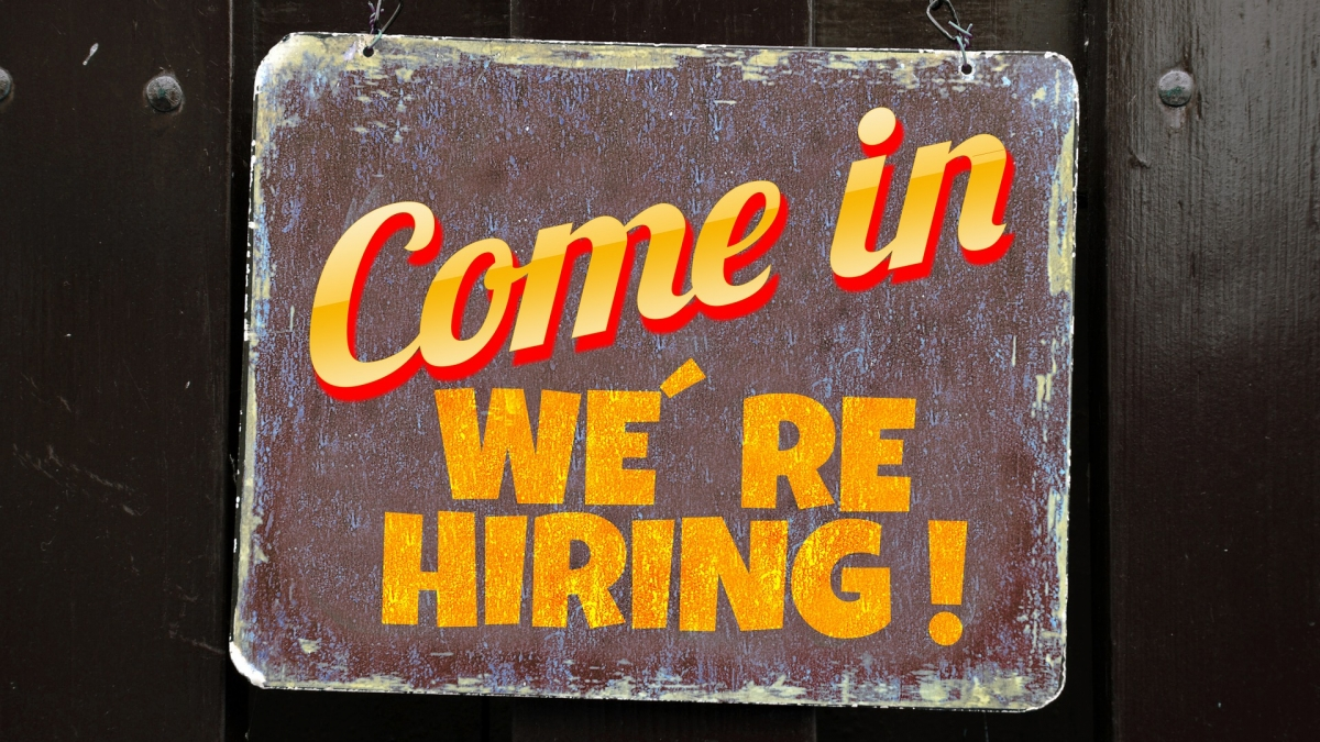 come in wer hiring Gerd Altmann-1020318_1920