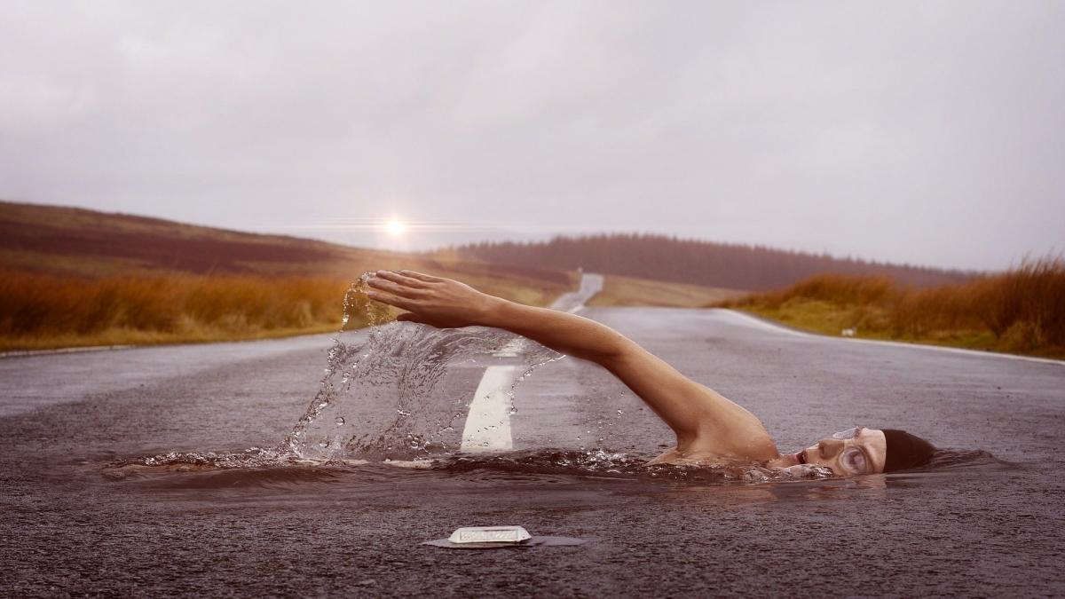 Die richtigen für die richtigen Stellen erkennen: Schwimmer im Asphalt passt nicht zusammen
