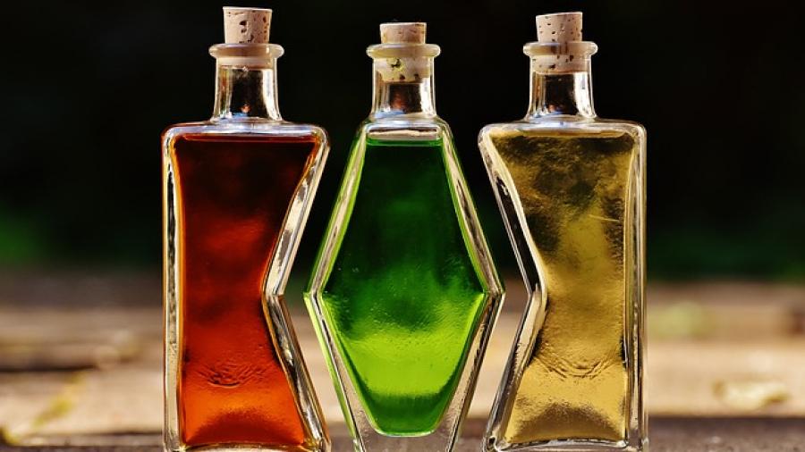 bottles-1640820_640